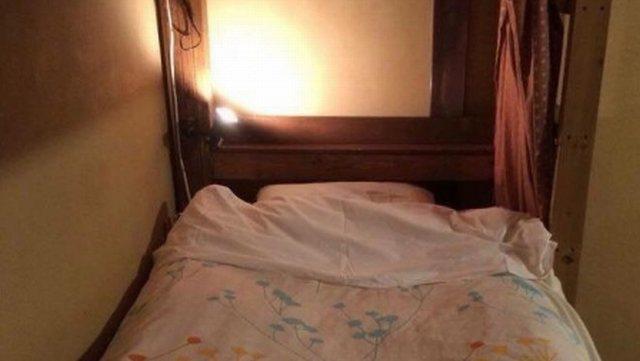 ゲストハウスのカプセルタイプのベッド